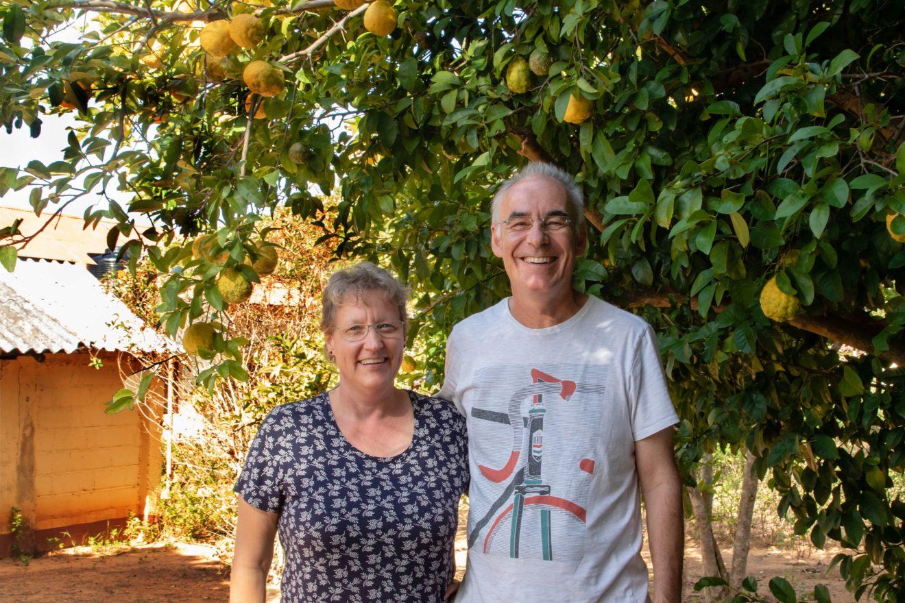 Zwischen Waisenhaus und Werkstatt -- Missionsabend mit Renate & Claus Härtner